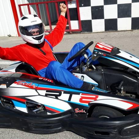Image bloc de contenu 1 | Venez fêter votre EVG / EVJF au Karting Le Rove
