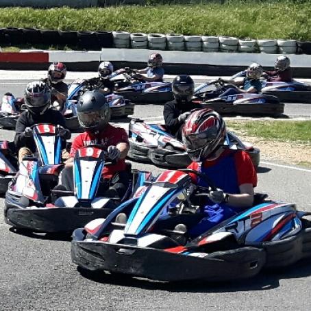 Image bloc de contenu 2 | Venez fêter votre EVG / EVJF au Karting Le Rove